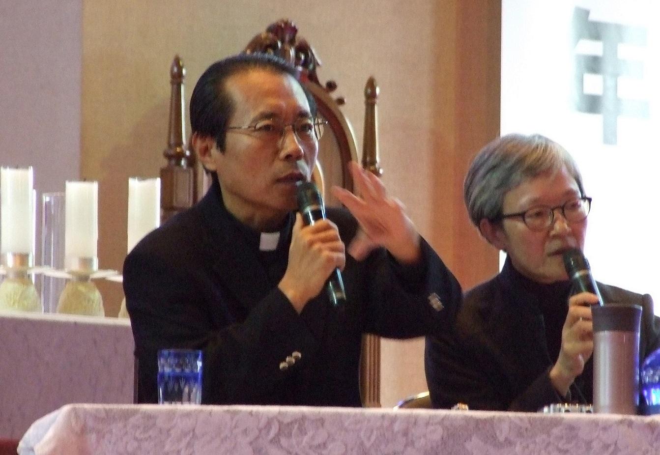 2013.11.24 信仰年閉年記念講演会DSCF4092